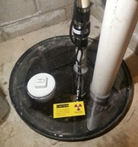 Sump pump cover for radon mitigation system